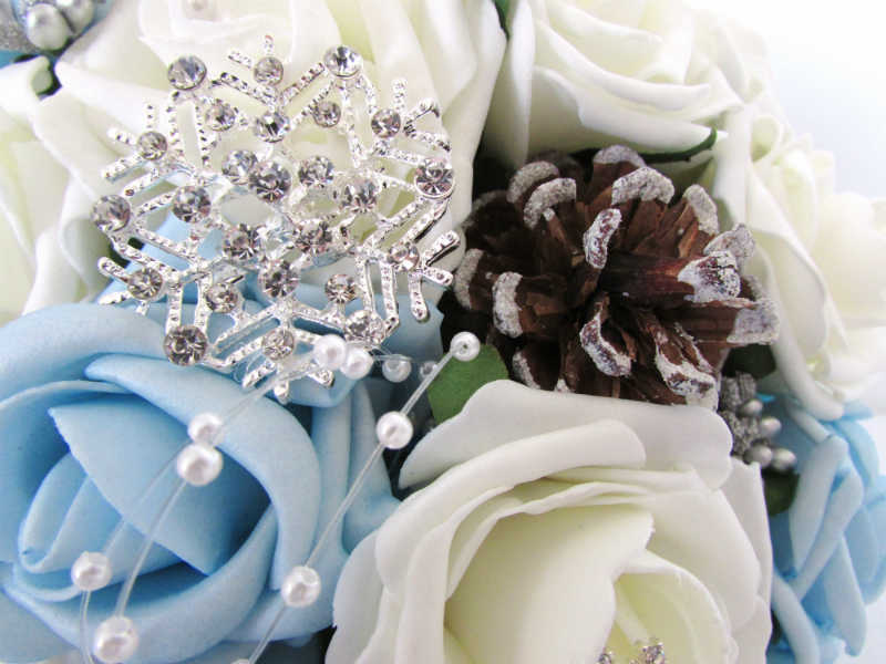 Winter Inspired Bridal Bouquet ideas by Laura Elizabeth